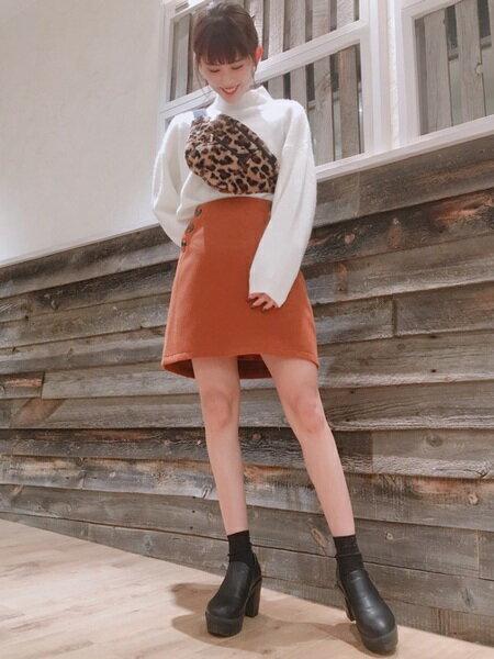 INGNIさんの台形スカート/コクーンスカート「フェイクウール台形/スカート」を使ったコーディネートを紹介します。|ファッション通販楽天ブランドアベニュー(旧スタイライフ Stylife)27855
