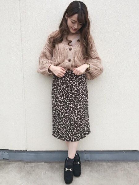 INGNIさんのタイトスカート「ベルト付ヒョウ柄ナロースカート」を使ったコーディネートを紹介します。|ファッション通販楽天ブランドアベニュー(旧スタイライフ Stylife)28305