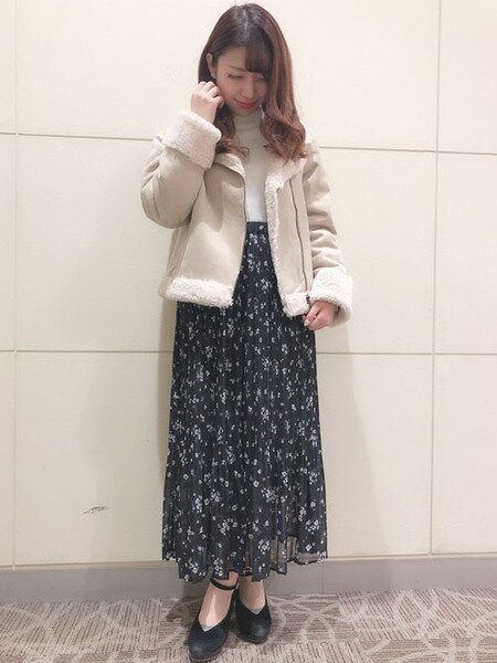 INGNIさんのスカートその他「花柄シフォンプリーツ/SK」を使ったコーディネートを紹介します。 ファッション通販楽天ブランドアベニュー(旧スタイライフ Stylife)29038