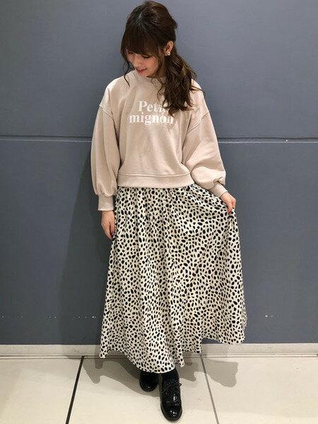 INGNIさんのプリーツスカート/ギャザースカート「ダルメシアン柄ギャザー/SK」を使ったコーディネートを紹介します。 ファッション通販楽天ブランドアベニュー(旧スタイライフ Stylife)30313