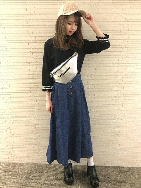 INGNIさんのロングスカート「フロントボタンハイウエストフレアマキシSK」を使ったコーディネートを紹介します。 ファッション通販楽天ブランドアベニュー(旧スタイライフ Stylife)30717