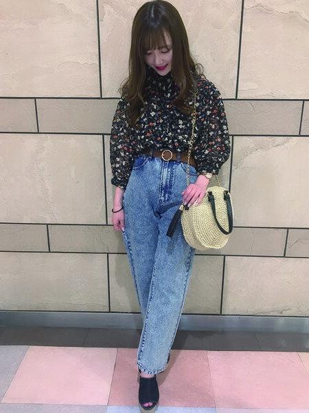 INGNIさんの長袖シャツ「花柄HNボリューム袖」を使ったコーディネートを紹介します。|ファッション通販楽天ブランドアベニュー(旧スタイライフ Stylife)32893