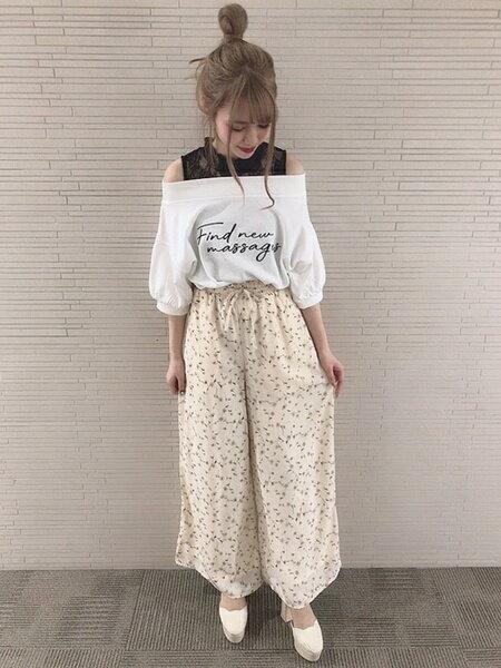 INGNIさんのワイド/バギーパンツ「花柄イージーワイド/PT」を使ったコーディネートを紹介します。|ファッション通販楽天ブランドアベニュー(旧スタイライフ Stylife)33060