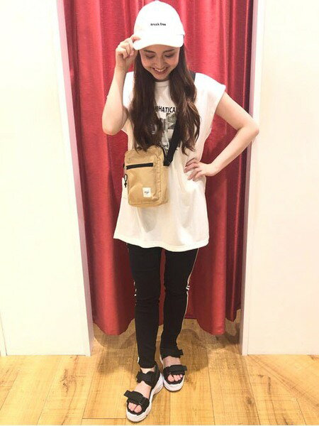 INGNIのコーディネートを紹介します。|Rakuten Fashion(楽天ファッション/旧楽天ブランドアベニュー)37555