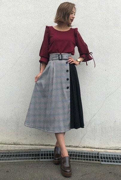 INGNIのベルト付チェック柄プリーツ切替/スカートを使ったコーディネートを紹介します。|Rakuten Fashion(楽天ファッション/旧楽天ブランドアベニュー)40101