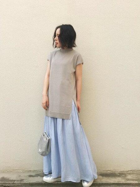 ROSE BUDのリネン混テーパードパンツを使ったコーディネートを紹介します。|Rakuten Fashion(楽天ファッション/旧楽天ブランドアベニュー)32356