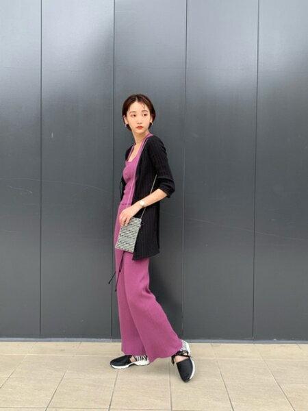 ROSE BUDのバッククロスニットビスチェを使ったコーディネートを紹介します。|Rakuten Fashion(楽天ファッション/旧楽天ブランドアベニュー)38300