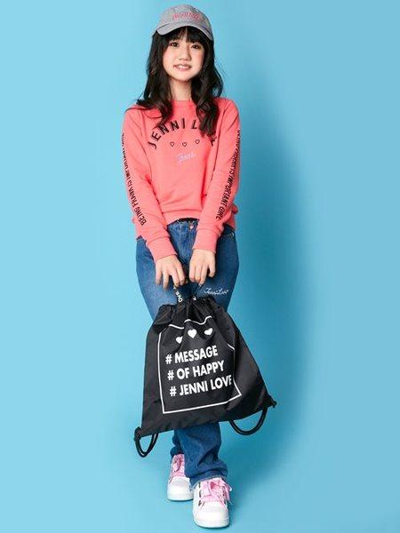 JENNIさんのキッズカットソー「JENNI love/袖ロゴプリントトレーナー」を使ったコーディネートを紹介します。|ファッション通販楽天ブランドアベニュー(旧スタイライフ Stylife)27138