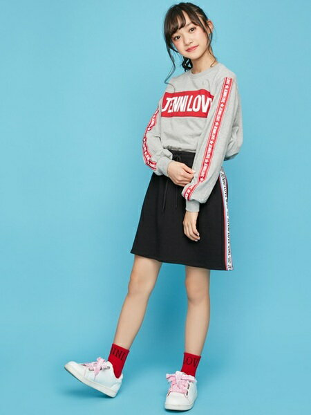 JENNIさんのキッズスカート「JENNI love/サイドラインロゴスカート」を使ったコーディネートを紹介します。|ファッション通販楽天ブランドアベニュー(旧スタイライフ Stylife)29711