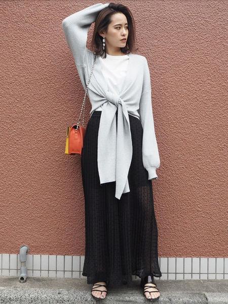 MURUAさんのパンツその他「シアードットプリーツパンツ」を使ったコーディネートを紹介します。|ファッション通販楽天ブランドアベニュー(旧スタイライフ Stylife)22994