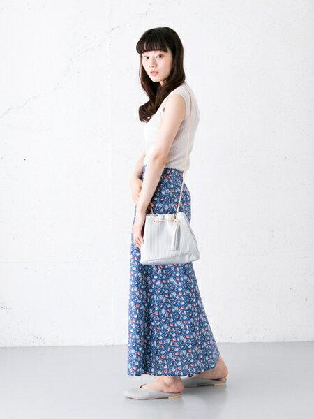 RODE SKOさんのショルダーバッグ「JASMIN プリーツドロストバッグ」を使ったコーディネートを紹介します。|ファッション通販楽天ブランドアベニュー(旧スタイライフ Stylife)23074