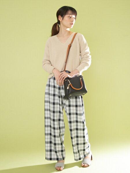 RODE SKOのJUANITA ポケットプチ2WAYトートを使ったコーディネートを紹介します。|Rakuten Fashion(楽天ファッション/旧楽天ブランドアベニュー)31859