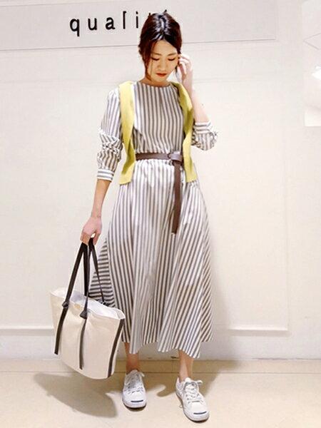qualiteさんのシャツワンピース「ワンサイドフレアロングワンピース」を使ったコーディネートを紹介します。|ファッション通販楽天ブランドアベニュー(旧スタイライフ Stylife)32800