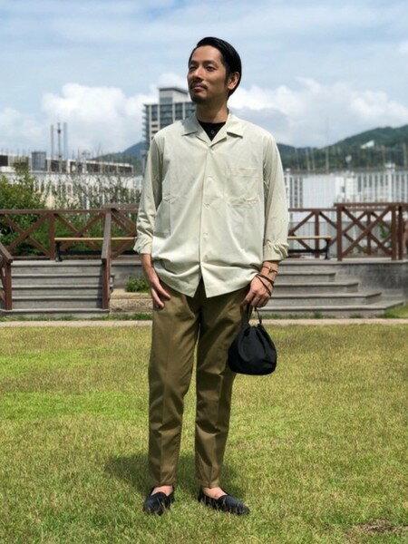 UNITED ARROWSさんのTシャツ「<UNITEDARROWS>スムースヘンリーネック」を使ったコーディネートを紹介します。|ファッション通販楽天ブランドアベニュー(旧スタイライフ Stylife)37668