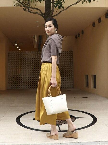 COMME CA ISMのフレンチリネンクルーネックニットを使ったコーディネートを紹介します。|Rakuten Fashion(楽天ファッション/旧楽天ブランドアベニュー)35695