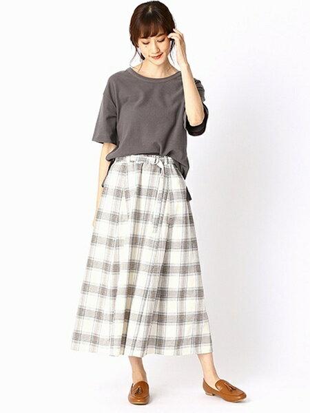 COMME CA ISMのチェック柄 フレア ロングスカートを使ったコーディネートを紹介します。|Rakuten Fashion(楽天ファッション/旧楽天ブランドアベニュー)38835