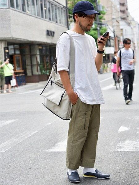 alfredoBANNISTERのアミュニッションショルダーバッグを使ったコーディネートを紹介します。|Rakuten Fashion(楽天ファッション/旧楽天ブランドアベニュー)36678