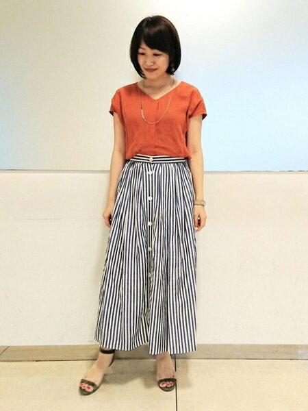INEDさんのスカートその他「フロントボタンストライプフレアスカート」を使ったコーディネートを紹介します。|ファッション通販楽天ブランドアベニュー(旧スタイライフ Stylife)34042