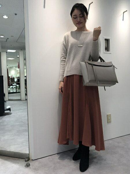 LAUTREAMONTの上質で定番なラクーンカシミヤニットを使ったコーディネートを紹介します。|Rakuten Fashion(楽天ファッション/旧楽天ブランドアベニュー)42463