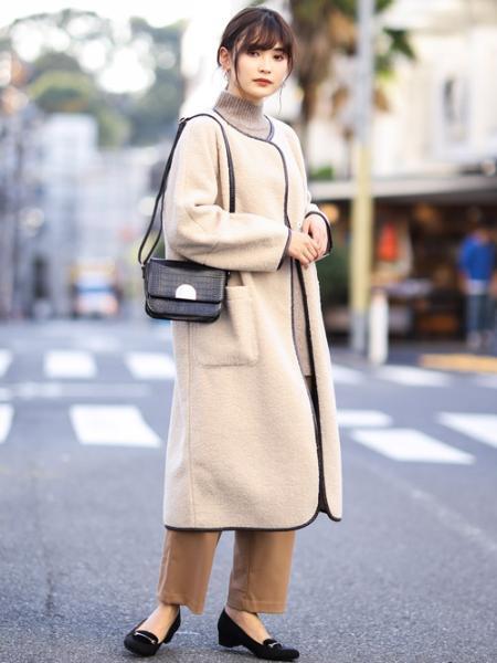 a.v.vのフェイクボアムートンノーカラーリバーシブビックコートを使ったコーディネートを紹介します。|Rakuten Fashion(楽天ファッション/旧楽天ブランドアベニュー)1000246