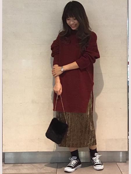 MAYSON GREYの【socolla】ベロアプリーツストレートスカートを使ったコーディネートを紹介します。|Rakuten Fashion(楽天ファッション/旧楽天ブランドアベニュー)1000323