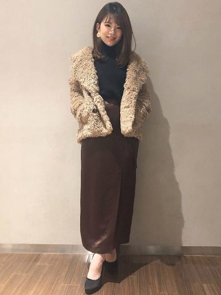 VICKYのサテンラップスカートを使ったコーディネートを紹介します。|Rakuten Fashion(楽天ファッション/旧楽天ブランドアベニュー)1000325