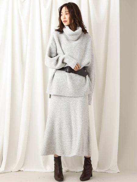 MK MICHEL KLEINの【InRed12月号掲載/洗える】フレアーニットスカートを使ったコーディネートを紹介します。|Rakuten Fashion(楽天ファッション/旧楽天ブランドアベニュー)1001100