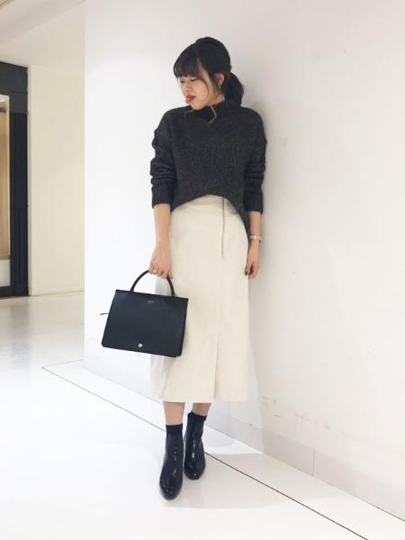 Droitelautreamontの【雑誌掲載】オヤココールテンストレッチスカートを使ったコーディネートを紹介します。|Rakuten Fashion(楽天ファッション/旧楽天ブランドアベニュー)1001284