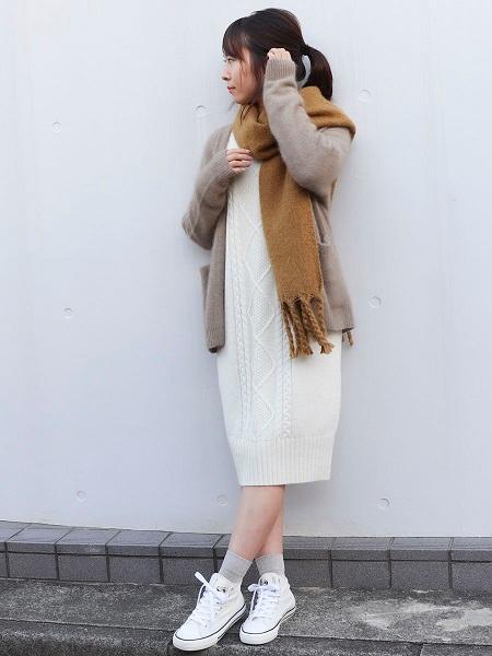COMME CA ISMの《ラムウール》ケーブル キーネック ニットワンピースを使ったコーディネートを紹介します。|Rakuten Fashion(楽天ファッション/旧楽天ブランドアベニュー)1001470