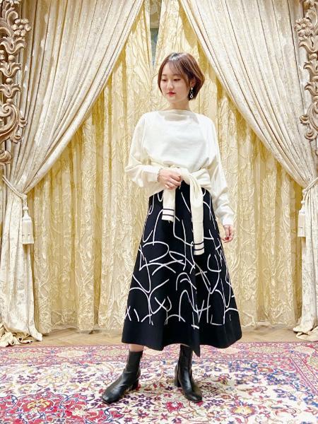 GRACE CONTINENTALのパターンジャガードニットスカートを使ったコーディネートを紹介します。|Rakuten Fashion(楽天ファッション/旧楽天ブランドアベニュー)1001648