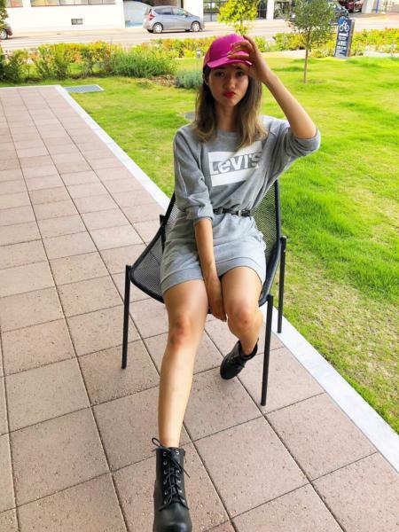 Levi'sのクルーネックドレス NATALIE CREW SMOKESTACK HEATHERを使ったコーディネートを紹介します。|Rakuten Fashion(楽天ファッション/旧楽天ブランドアベニュー)1001976