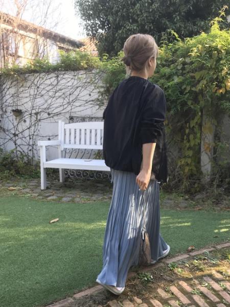 ROPE' PICNICの【WEB限定カラー:グレー,ブルー】プリーツキャミワンピースを使ったコーディネートを紹介します。|Rakuten Fashion(楽天ファッション/旧楽天ブランドアベニュー)1002075