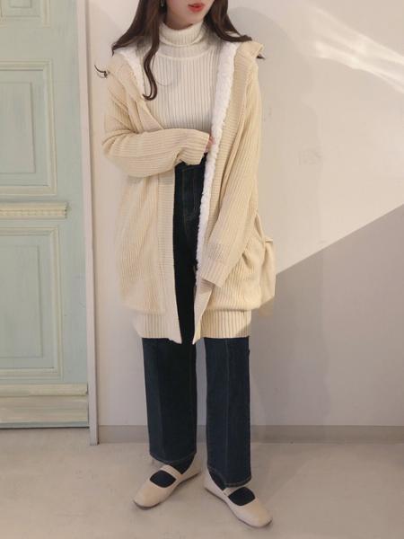 Bou Jeloudの【EC】ハイウエストストレートデニムパンツを使ったコーディネートを紹介します。|Rakuten Fashion(楽天ファッション/旧楽天ブランドアベニュー)1002180