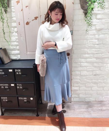 Noelaのリボンマーメイドスカートを使ったコーディネートを紹介します。|Rakuten Fashion(楽天ファッション/旧楽天ブランドアベニュー)1002401