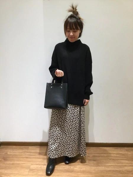 GLOBAL WORKの(W)メルティ-タートルスリットPOを使ったコーディネートを紹介します。|Rakuten Fashion(楽天ファッション/旧楽天ブランドアベニュー)1002398
