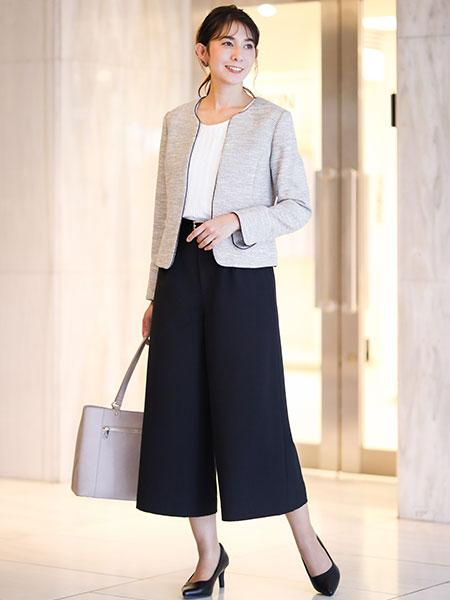 a.v.vのコーディネートを紹介します。 Rakuten Fashion(楽天ファッション/旧楽天ブランドアベニュー)1003735