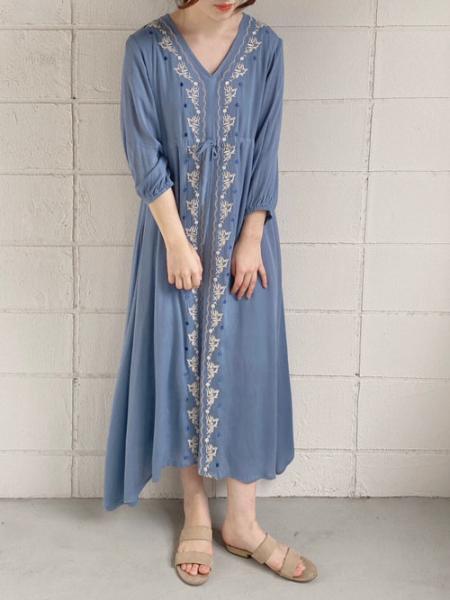 Bou Jeloudの【WEB限定】刺繍ロングワンピースを使ったコーディネートを紹介します。|Rakuten Fashion(楽天ファッション/旧楽天ブランドアベニュー)1004402