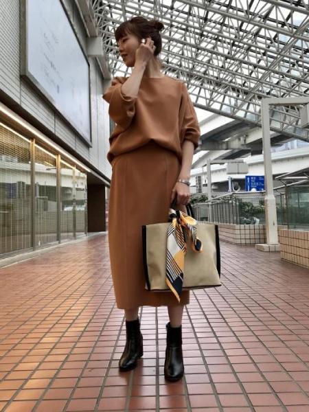 ADAM ET ROPE'のニットジョーゼットボンディングスカートを使ったコーディネートを紹介します。|Rakuten Fashion(楽天ファッション/旧楽天ブランドアベニュー)1004481