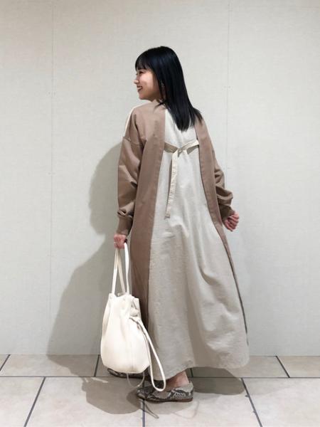 ROSE BUDのプリーツバッグを使ったコーディネートを紹介します。|Rakuten Fashion(楽天ファッション/旧楽天ブランドアベニュー)1004923
