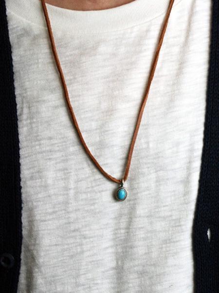 Argent GleamのAPPLIED/ネイティブパターンオーパルネックレスを使ったコーディネートを紹介します。|Rakuten Fashion(楽天ファッション/旧楽天ブランドアベニュー)1005510