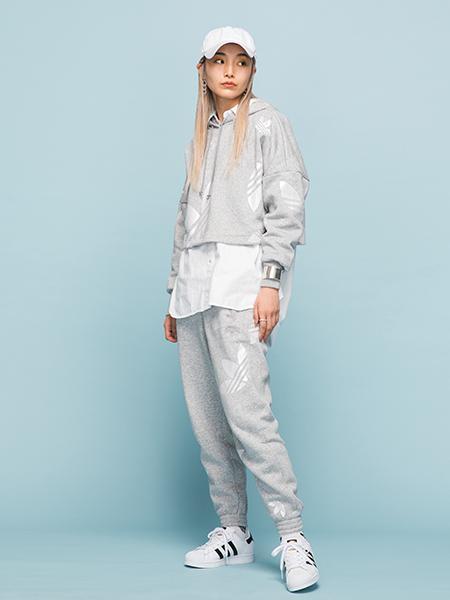 adidasのSUPERSTARを使ったコーディネートを紹介します。 Rakuten Fashion(楽天ファッション/旧楽天ブランドアベニュー)1005761