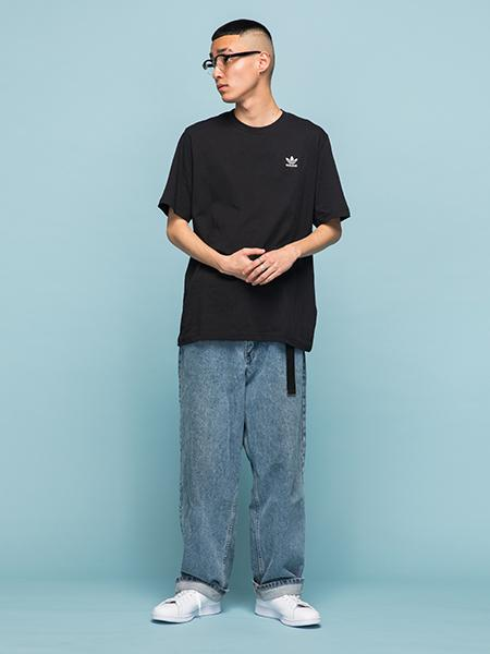 adidasの(M)ESSENTIAL TEEを使ったコーディネートを紹介します。|Rakuten Fashion(楽天ファッション/旧楽天ブランドアベニュー)1006445