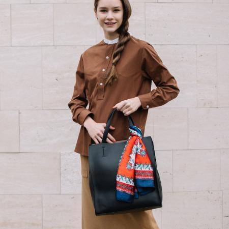 UN BILLIONの(L)カシュカシュ cachecache/大判スカーフ付トートバッグを使ったコーディネートを紹介します。 Rakuten Fashion(楽天ファッション/旧楽天ブランドアベニュー)1006745