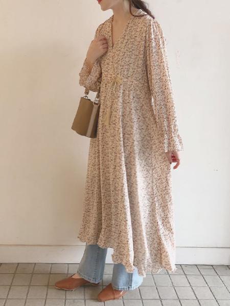 Bou Jeloudの≪2020SS先行予約≫タッセル紐付カシュクール花柄ワンピースを使ったコーディネートを紹介します。|Rakuten Fashion(楽天ファッション/旧楽天ブランドアベニュー)1007002