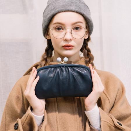 UN BILLIONの(L)ペルケ perche/ジェムストーンがま口長財布を使ったコーディネートを紹介します。|Rakuten Fashion(楽天ファッション/旧楽天ブランドアベニュー)1007041