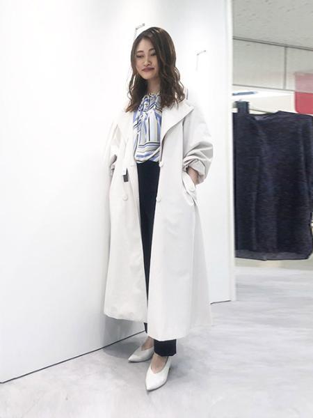 LAUTREAMONTの【雑誌掲載】サイドスリット入りセンタープレステーパードパンツを使ったコーディネートを紹介します。|Rakuten Fashion(楽天ファッション/旧楽天ブランドアベニュー)1007178