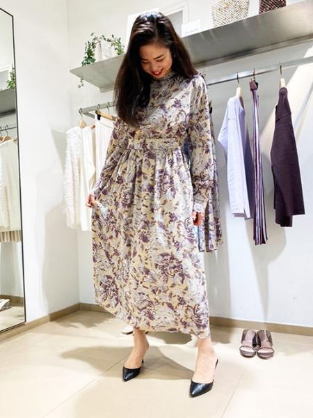 Droitelautreamontのアラベスクペーズリーロイヤルアンティークデジンワンピースを使ったコーディネートを紹介します。|Rakuten Fashion(楽天ファッション/旧楽天ブランドアベニュー)1007188