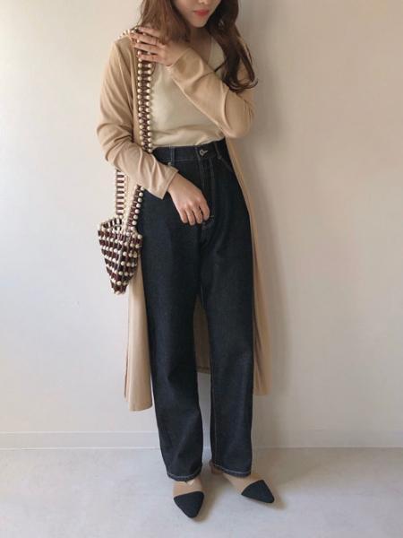Bou Jeloudの【EC】ハイウエストストレートデニムPNTを使ったコーディネートを紹介します。|Rakuten Fashion(楽天ファッション/旧楽天ブランドアベニュー)1008521