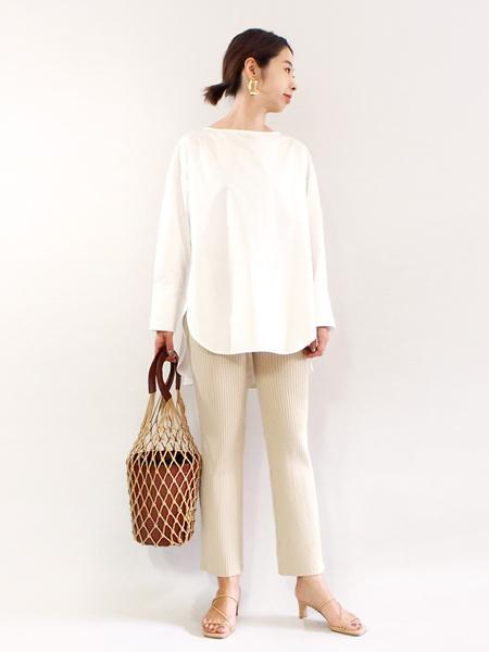 FROM FIRST MUSEEのオーバルピアスを使ったコーディネートを紹介します。 Rakuten Fashion(楽天ファッション/旧楽天ブランドアベニュー)1009926
