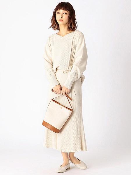 COMME CA ISMの【EC・一部店舗限定】コットンリネンバケットバッグ(ONIGIRI)を使ったコーディネートを紹介します。|Rakuten Fashion(楽天ファッション/旧楽天ブランドアベニュー)1010231
